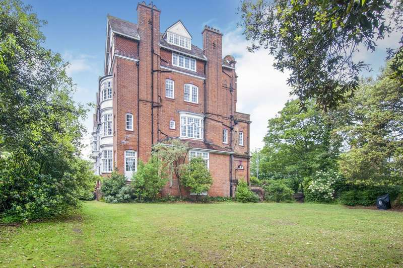 3 Bedrooms Apartment Flat for sale in Pevensey Road, St. Leonards-On-Sea, East Sussex, TN38