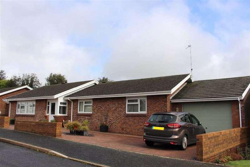 4 Bedrooms Detached Bungalow for sale in Gateholm Avenue, Milford Haven