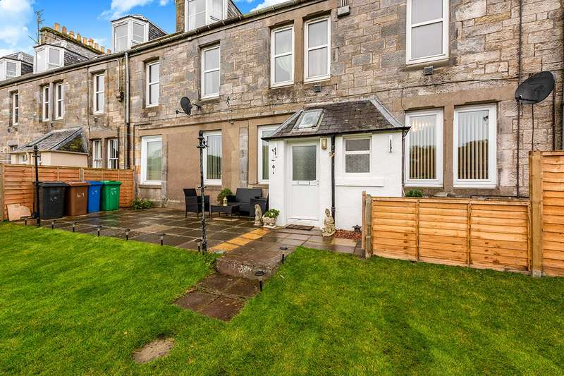 4 Bedrooms Apartment Flat for sale in Main Street, Guardbridge, St. Andrews, Fife, KY16