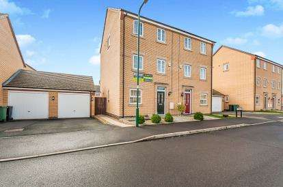 4 Bedrooms Semi Detached House for sale in Lucina Drive, Cardea, Peterborough, Cambridgeshire