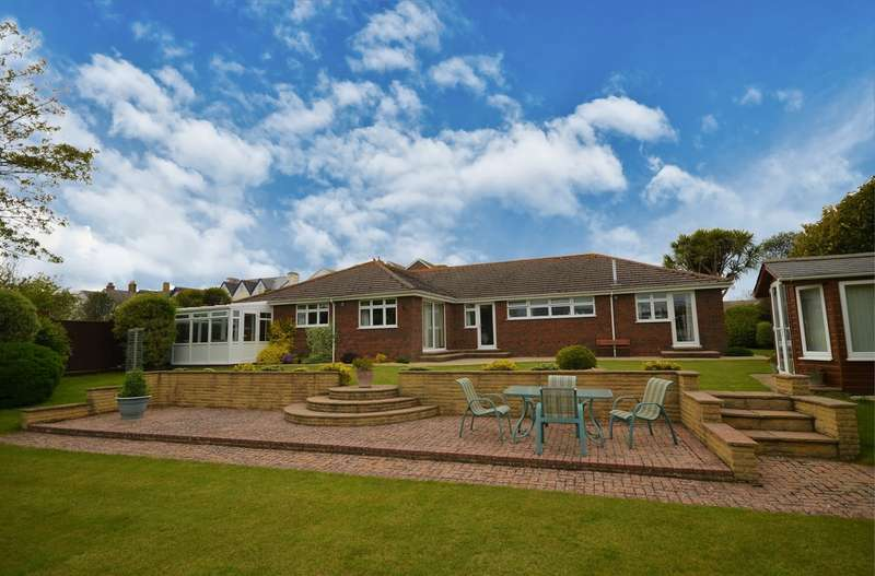 5 Bedrooms Detached Bungalow for sale in Freshwater, Isle Of Wight