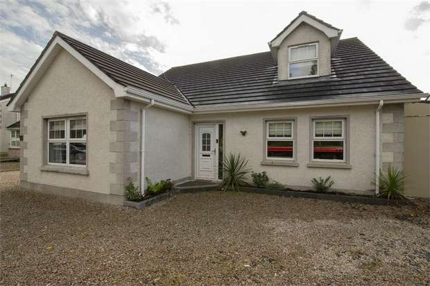 3 Bedrooms Detached Bungalow for sale in Edenmore Avenue, Ballymoney, County Antrim