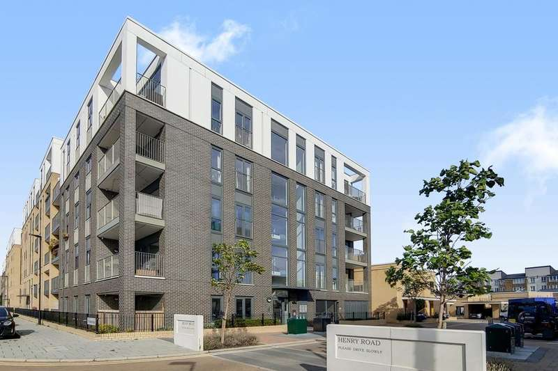 2 Bedrooms Flat for sale in Henry Road, London SW9