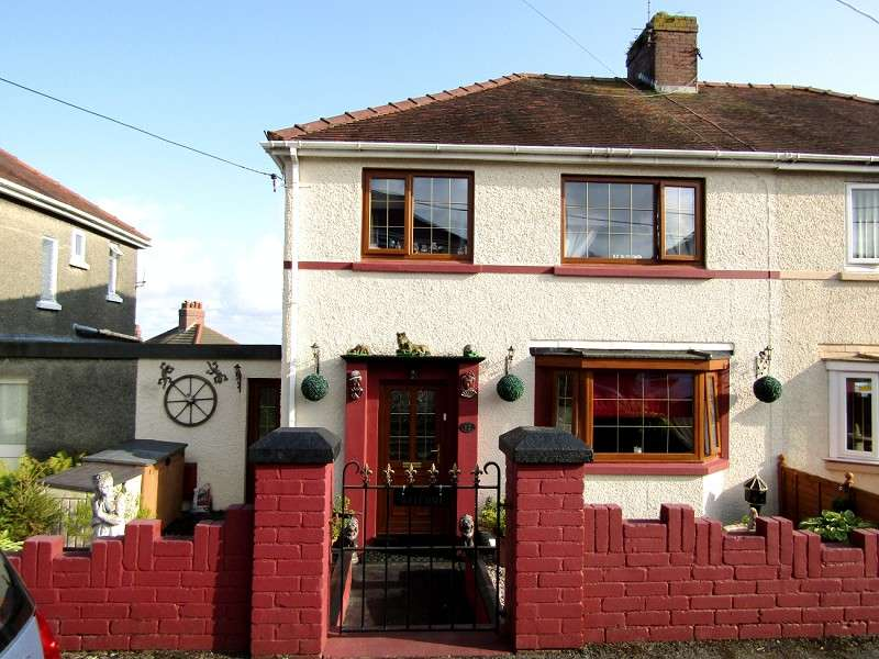 3 Bedrooms Semi Detached House for sale in Penybryn Avenue, Burry Port, Carmarthenshire. SA16 0PU