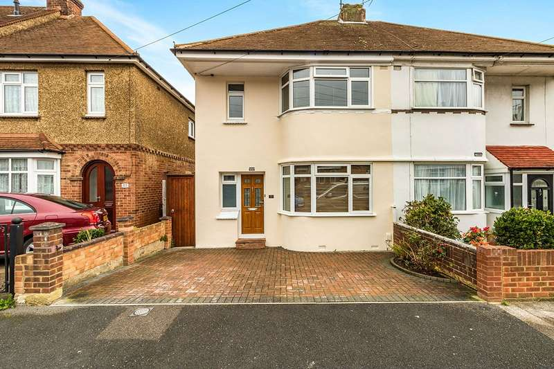3 Bedrooms Semi Detached House for sale in Sunnymead Avenue, Gillingham, Kent, ME7