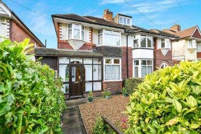 3 Bedrooms Semi Detached House for sale in Kings Road, Birmingham, West Midlands, United Kingdom