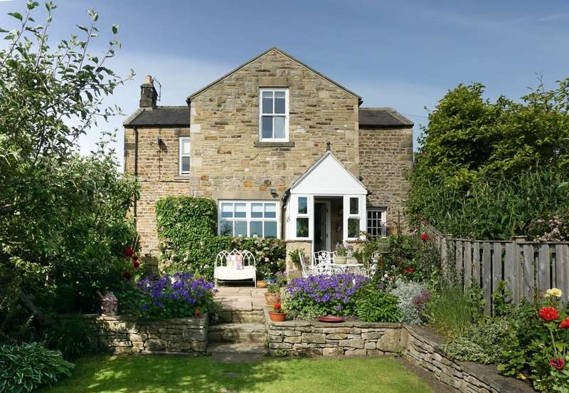 4 Bedrooms Detached House for sale in Portland Terrace, Hexham