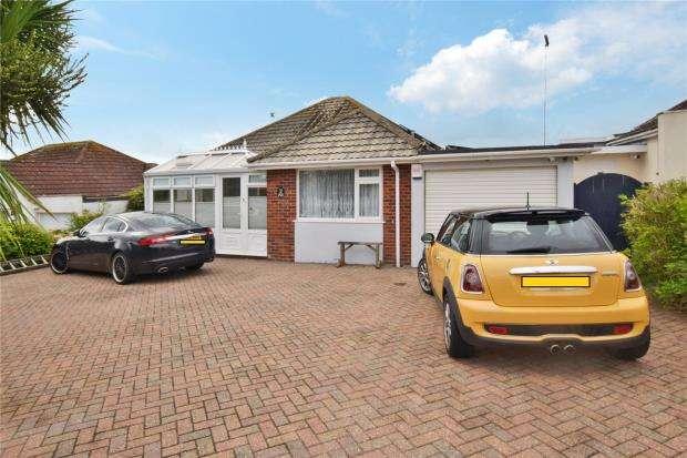 3 Bedrooms Detached Bungalow for sale in Blue Waters Drive, Paignton, Devon