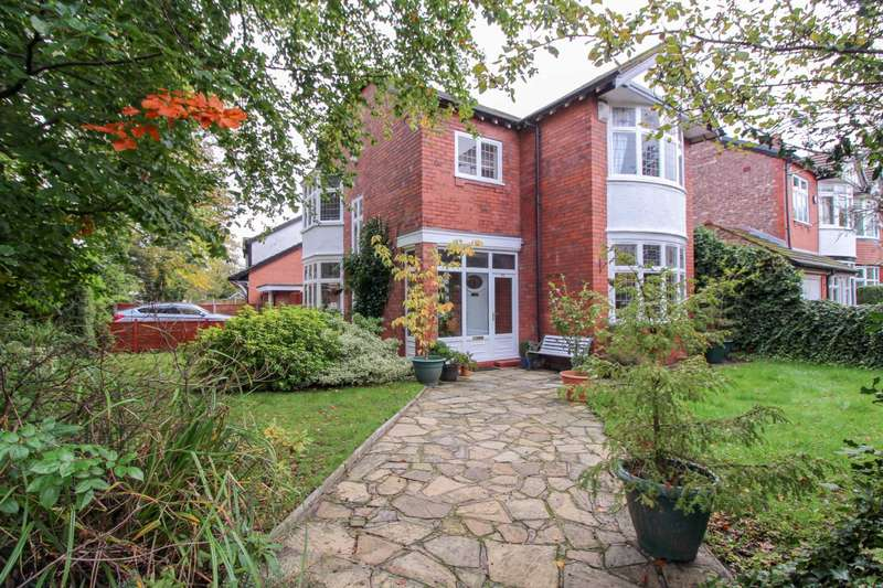 4 Bedrooms Detached House for sale in BRAMHALL LANE, Davenport