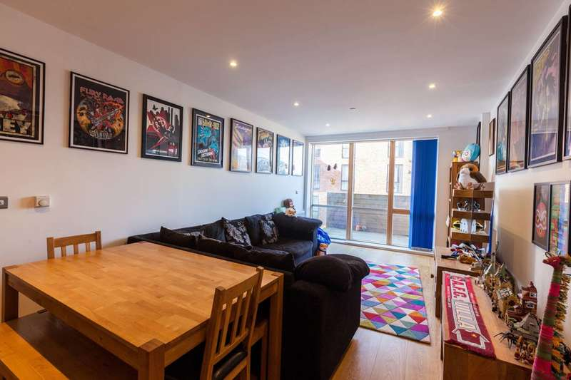 2 Bedrooms Flat for sale in Barry Blandford Way, Bow, E3