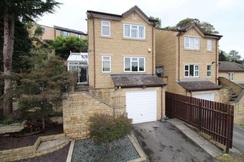 3 Bedrooms Detached House for sale in Oakroyd Close, Bailiff Bridge, HD6 4BP