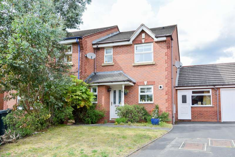 4 Bedrooms Semi Detached House for sale in Montague Road, Smethwick, West Midlands, B66