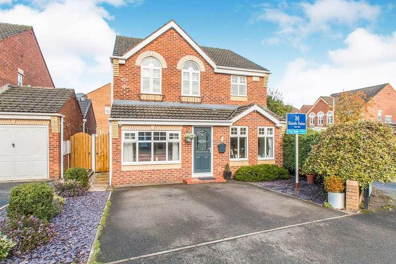 4 Bedrooms Detached House for sale in Crompton Drive, Morley, Leeds, West Yorkshire, LS27