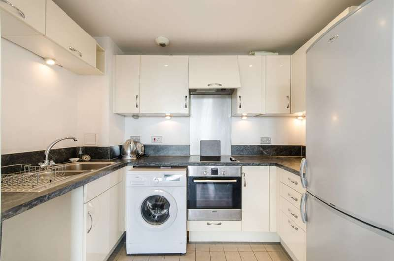 2 Bedrooms Flat for rent in London Road, Croydon, CR0