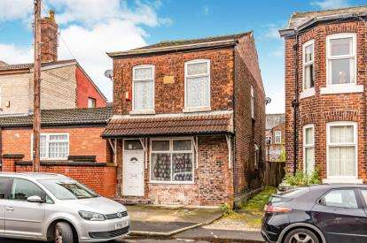 4 Bedrooms Detached House for sale in Hollins Grove, Manchester, Greater Manchester