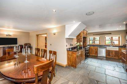5 Bedrooms Detached House for sale in Old Forge Row, Lydiate, Merseyside, L31
