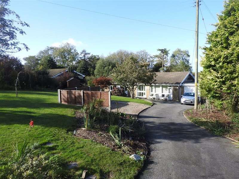 3 Bedrooms Detached Bungalow for sale in Pontgarreg, Llandysul, Ceredigion