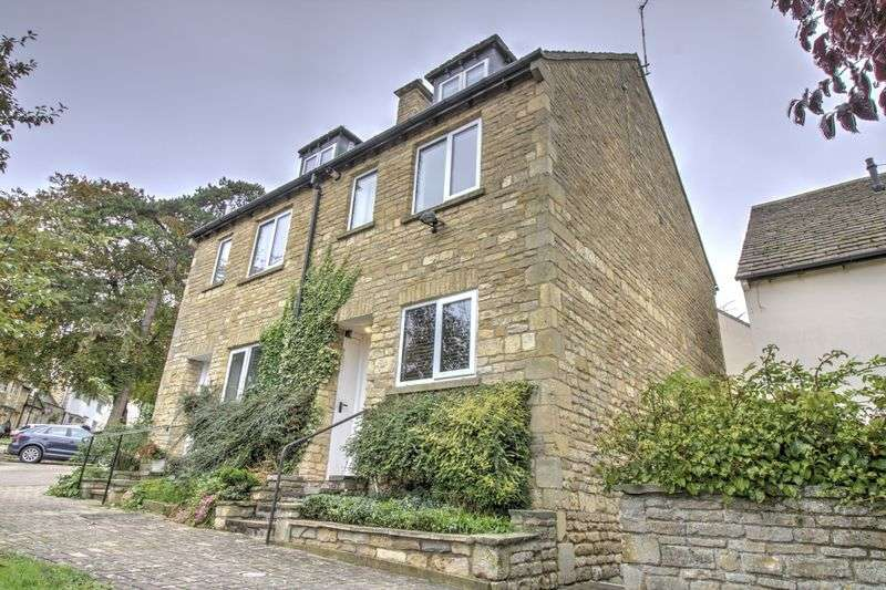3 Bedrooms Property for sale in Warrenne Keep, Stamford