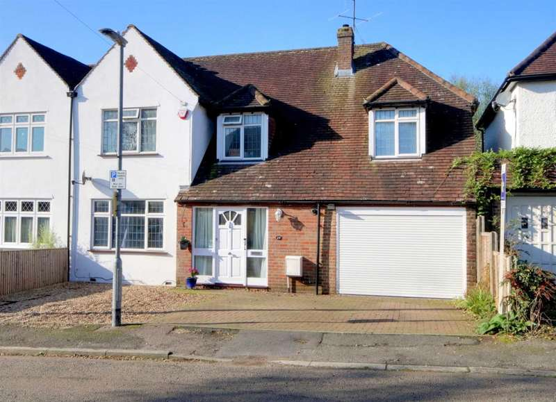 4 Bedrooms House for sale in BARGROVE AVENUE, LARGE PLOT & OVER 2400 SQ FT
