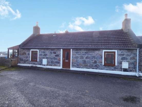 2 Bedrooms Detached Bungalow for sale in Seatown, Buckie, Banffshire, AB56 1JS