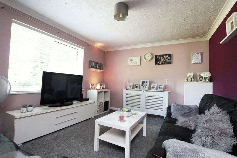 2 Bedrooms Property for sale in Gresham Road, Staines-Upon-Thames
