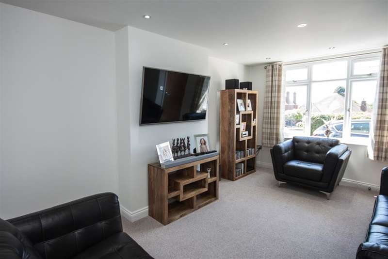 4 Bedrooms Detached House for sale in Highfields Road, Chasetown, Burntwood, WS7 4QS