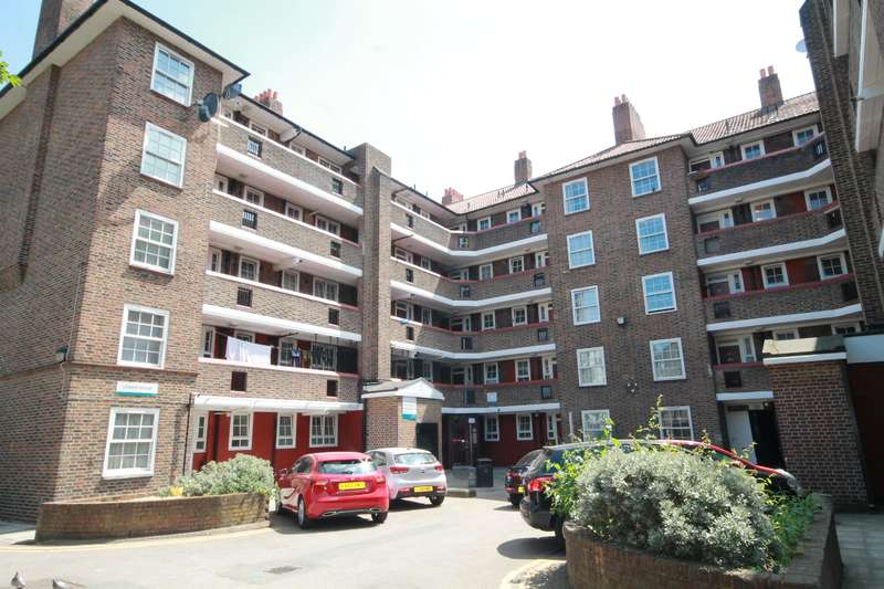 3 Bedrooms Flat for sale in Friary Estate, London, SE15 1RP