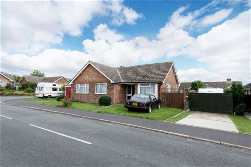 3 Bedrooms Detached Bungalow for rent in Ramsey Road, Hadleigh, IP7 6AN