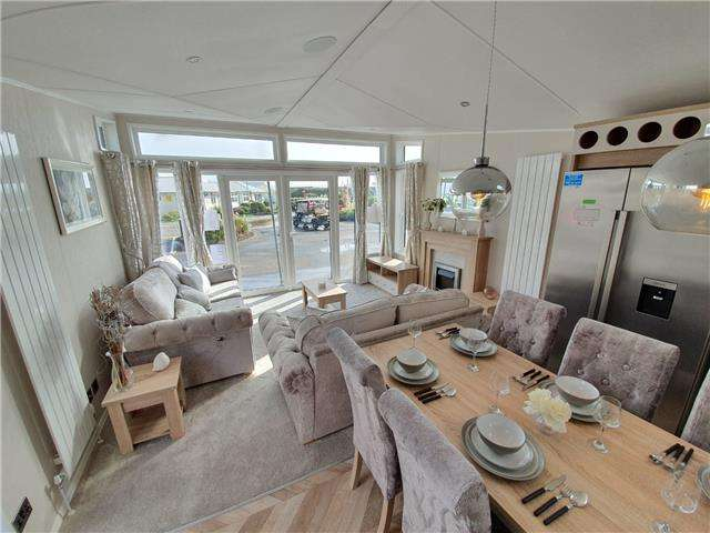 2 Bedrooms Caravan Mobile Home for sale in Camber Sands Holiday Park, East Sussex