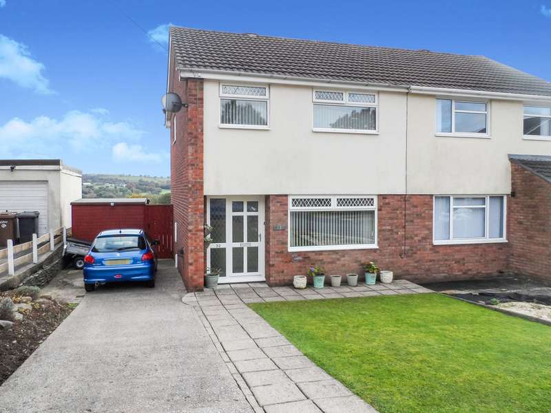 3 Bedrooms Semi Detached House for sale in Shannon Close, Pontllanfraith, Blackwood, NP12