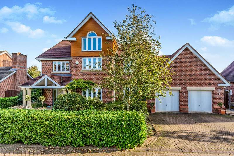 5 Bedrooms Detached House for sale in Hampstead Drive, Weston, Cheshire, CW2