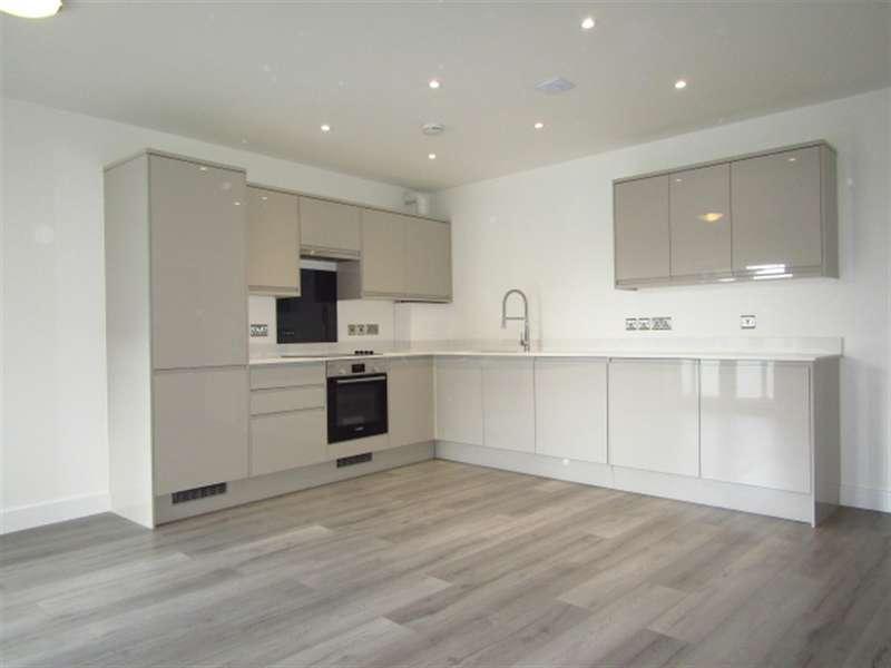 2 Bedrooms Flat for sale in Plot 70, Beechwood Gardens, Slough, SL1 2HR
