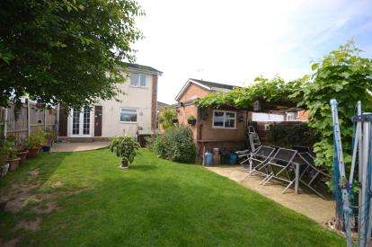 3 Bedrooms Semi Detached House for sale in Southminster, Essex, .