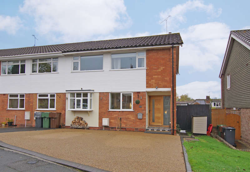 4 Bedrooms Semi Detached House for sale in Hinton Avenue, Alvechurch, B48 7LY
