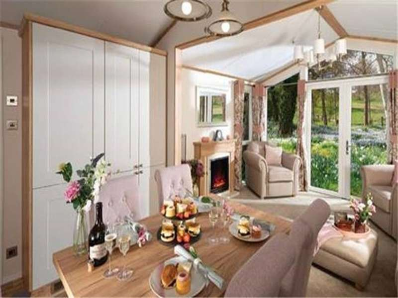 2 Bedrooms Lodge Character Property for sale in White Cross Bay, Windermere, LA23