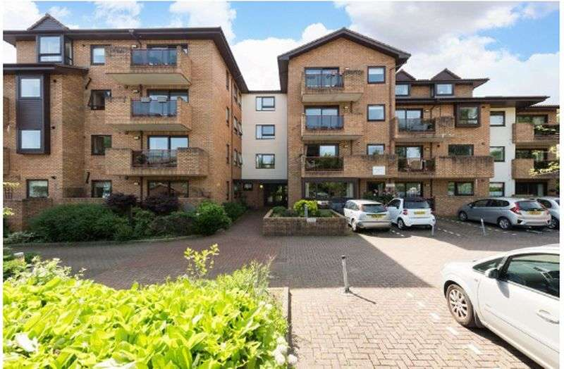1 Bedroom Property for sale in Challoner Court, Bromley: **BALCONY WITH GARDEN VIEWS**