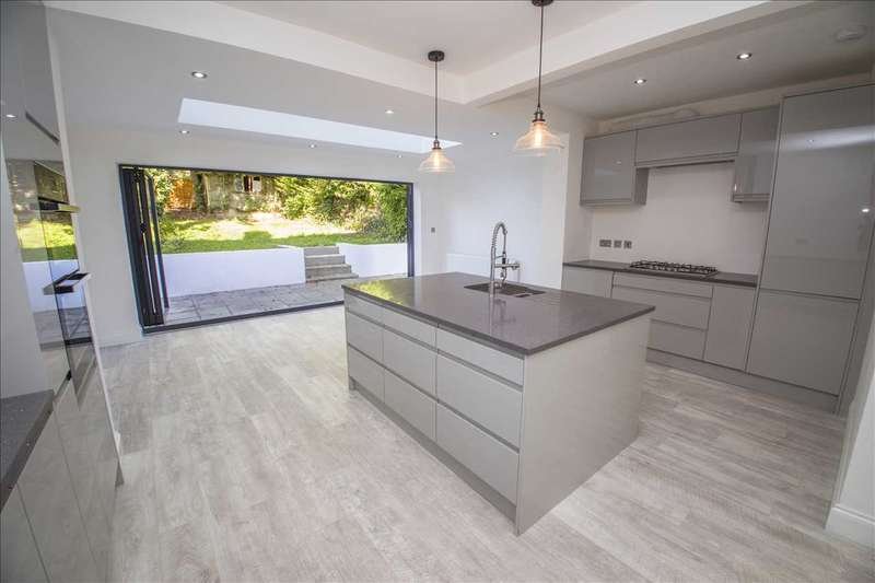 3 Bedrooms Semi Detached House for sale in Winifred Road