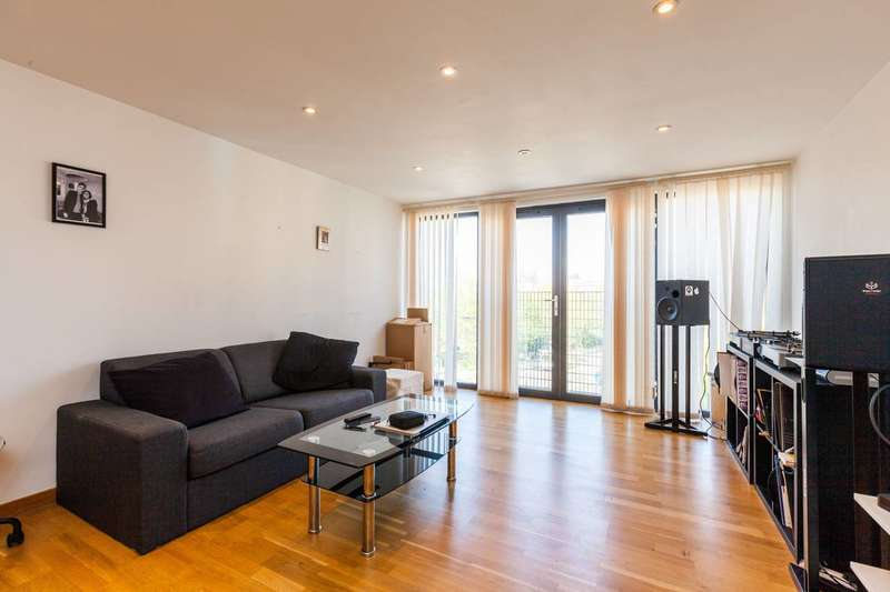 1 Bedroom Flat for sale in Whitmore Road, Hackney, N1