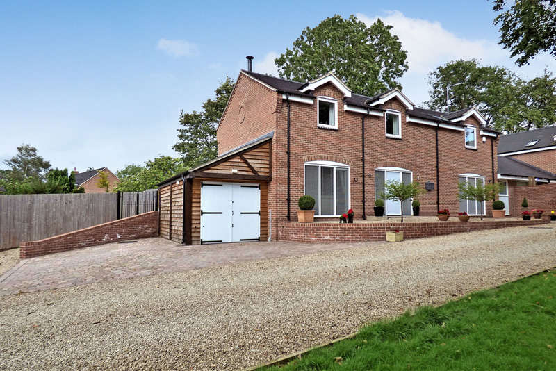4 Bedrooms Detached House for sale in Aspley Place, Colton