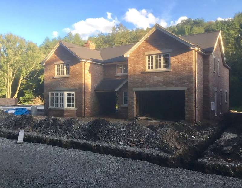 4 Bedrooms Detached House for sale in Churnet View Road, Oakamoor