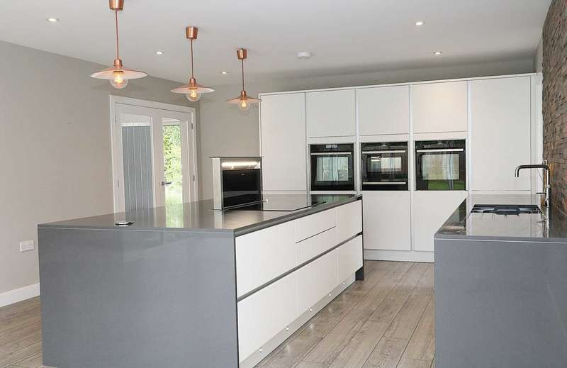 4 Bedrooms Detached House for sale in Bessels Way, Blewbury, Oxfordshire