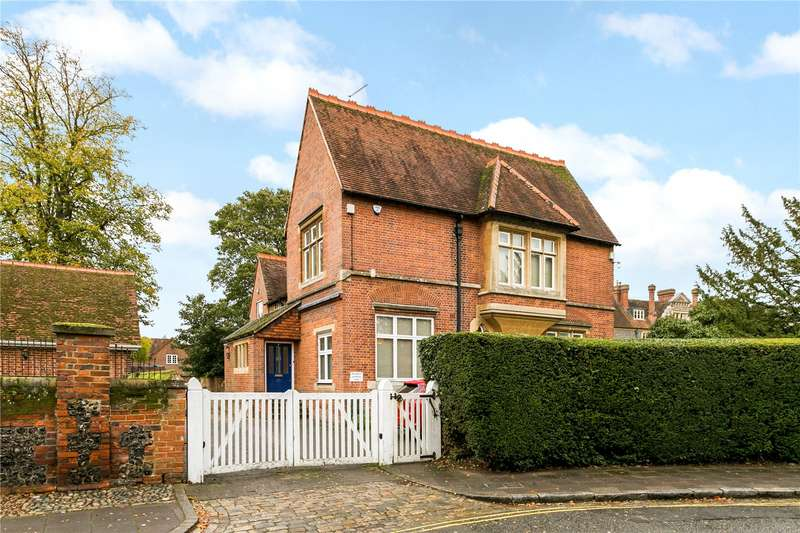 3 Bedrooms Apartment Flat for sale in All Saints House, The Causeway, Marlow, Buckinghamshire, SL7