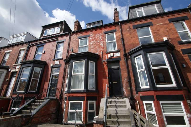 5 Bedrooms Terraced House for rent in Brudenell Mount, Hyde Park, Leeds