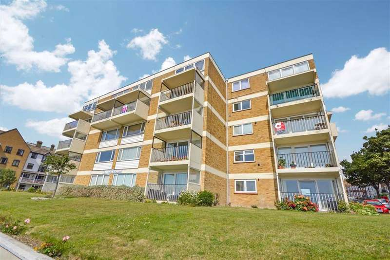 2 Bedrooms Flat for sale in Victoria Parade, Ramsgate, Kent