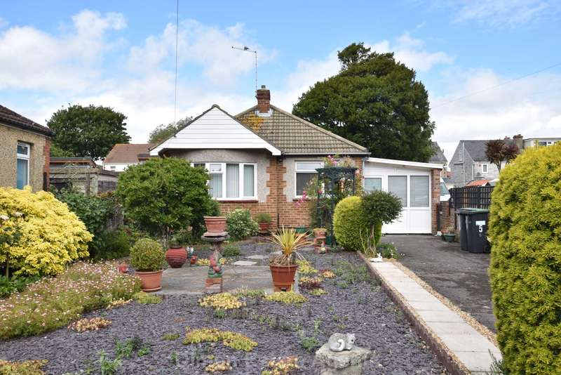 2 Bedrooms Detached Bungalow for sale in Carlton Road