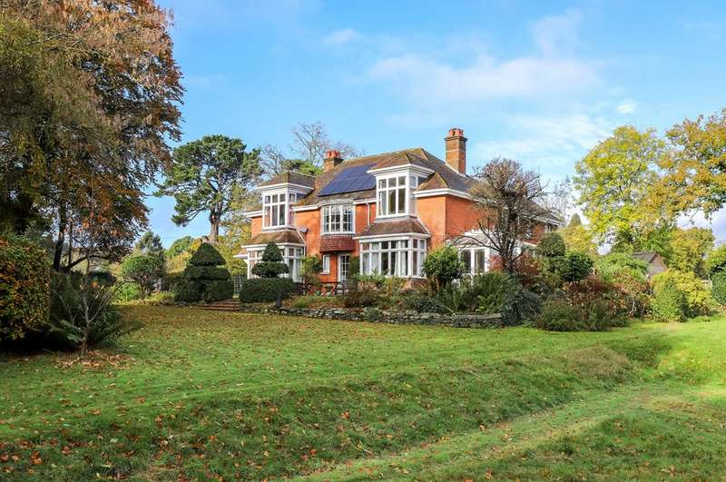 6 Bedrooms Detached House for sale in Hill Street, Calmore, Southampton, Hampshire, SO40