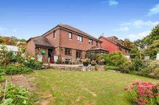 3 Bedrooms Semi Detached House for sale in Blacksmiths Field, Bodiam, Robertsbridge, East Sussex