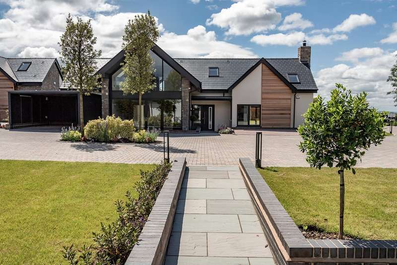 4 Bedrooms Detached House for sale in The Rialta, The Water Gardens, Henley In Arden
