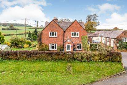 3 Bedrooms Detached House for sale in Yarlet Bank, Yarlet, Stafford, Staffordshire