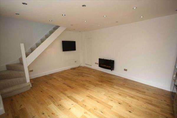 Property for rent in The Square, Woodford Green, Woodford Green, Essex, IG8 0UJ
